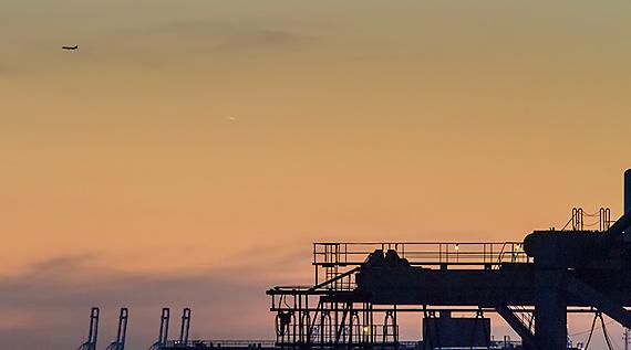 Comet Pan-STARRS, a Peek